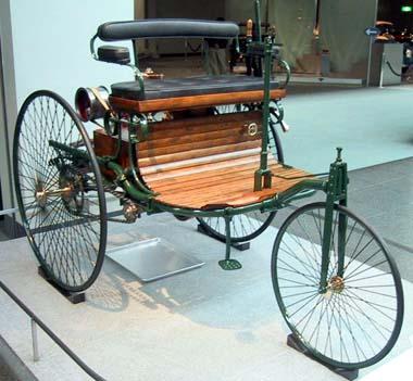Primeiro carro com motor de combustão interna