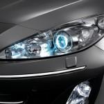 Peugeot 408 farol xenon