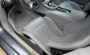 Banco do Bugatti Veyron que caiu no lago