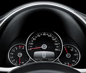 Volkswagen 2012 Beetle Black Turbo painel